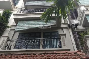 Cho thuê nhà ngõ 120 Hoàng Quốc Việt, khu phân lô quân đội, 80m2 * 4 tầng, MT 8m. Giá 40 triệu/th