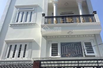 Nhà phố có gara để xe ô tô, KP4 (Trần Thị Hè) P. Hiệp Thành, Q12
