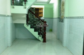 Bán nhà mặt tiền đường Lê Hồng Phong, P.2, Q.10. (trệt, 3 lầu) giá 11 tỷ 900tr TL