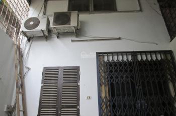 Cho thuê nhà phố Nguyễn Khoái, 4 tầng, giá 5.5 triệu/tháng