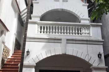 Bán nhà kiểu Pháp khu Quảng An, 170m2, mặt tiền 6m, ngõ 3.5m oto 7 chỗ vào nhà, cách hồ 100m