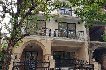 Cho thuê biệt thự villa đường Lê Văn Thiêm, 170m2, XD 130m2, 3,5 tầng, hầm, thang máy, giá 90 tr/th