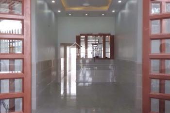Cần vốn kinh doanh bán gấp nhà mặt tiền Hóc Môn, giáp quận 12, dt: 64,4m2