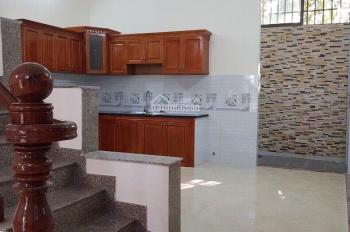 Bán nhà xây đúc trệt 2 lầu, sổ hồng, giá 4.6 tỷ, LH 0903633755