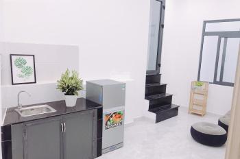 Phòng đầy đủ tiện nghi mới 100% ngay ngã tư Phú Nhuận, mặt tiền HVT 20m2 4tr/th, 35m2 5.7tr/th