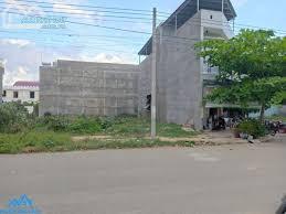 Bán đất mặt tiền đường Nguyễn Thị Lắng, cách Bệnh viện Xuyên Á 1km, 130m2 sổ hồng riêng.