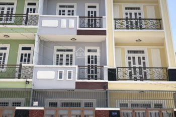 nhà bán chín chủ MT 970 Nguyễn Duy Trinh, Q9. Dt: 4.3x15m, 3l giá chỉ 4,5 tỷ LH: 0901997888