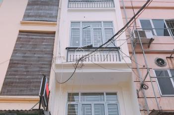 Nhà mặt phố Mễ Trì, kinh doanh sầm uất, LH 0911628368