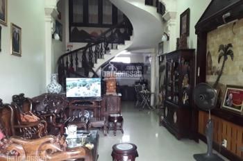 Bán nhà đẹp 3,5 tầng ô tô đỗ cửa,có sân cổng mặt ngõ 33 phố Kiều Sơn giá 2 tỷ 200 triệu(ctt)