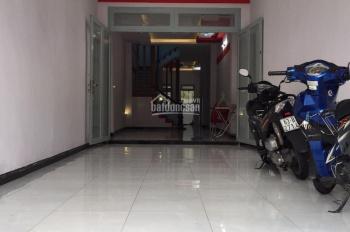 Chính chủ cần cho thuê nhà 5B Trần Nhật Duật, Tân Định, Quận 1, cầu thang cuối nhà