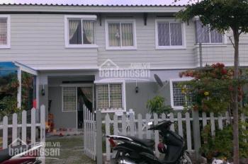 Cần cho thuê nhà phố Ehome 4 Vĩnh Phú, Thuận An. Mặt đường lớn, nhà hướng Đông. Xem nhà 0903766367