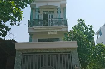 Cần bán gấp nhà 1 trệt 4 lầu ngay mặt tiền đường Trần Thị Hè, Quận 12, SHR