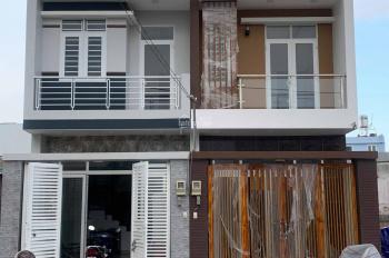 Nhà 2 tầng 3 phòng ngủ, đường ô tô, có sân chơi, chỗ đỗ xe, cuối Phạm Văn Đồng, cạnh chợ Xuân Hiệp