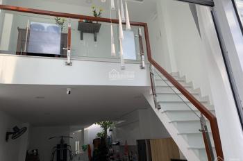 Cần bán nhà mới xây, gần trung tâm Quận 9, hẻm ô tô, 1 trệt 1 lầu, sân thượng đúc, 0903337584