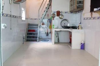 Cho thuê nhà nguyên căn tại hẻm 1056 Huỳnh Tấn Phát, Quận 7, giá 5tr/Tháng, LH: 0908.366.630