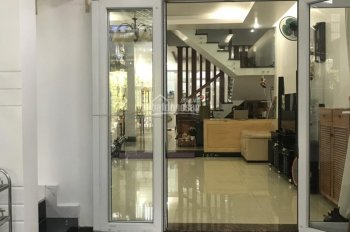 Gấp gấp gấp bán gấp nhà phố KDC Conic 13B Nguyễn văn linh. Nhà mới đẹp, full nội thất sang trọng