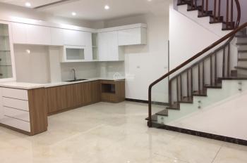 Bán nhà riêng 33m2x5t PL Văn Chương- Tôn Đức Thắng, KT tốt, mới xây 2018, ô tô đỗ cửa giá 3,6 tỷ