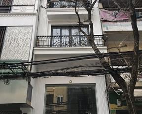 Cho thuê nhà Trần Quang Diệu. Liên hệ: 0986.915.915