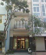 Cho thuê nhà mặt phố Trần Hưng Đạo, DT 50m2, xây 6 tầng thang máy, LH: 0965190000