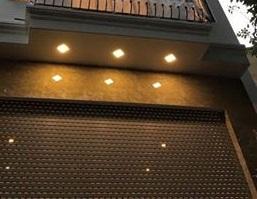 Nhà mới 4x26m, 6 lầu, thang máy, gara oto Phạm Hữu Lầu giao Huỳnh Tấn Phát, 9 phòng ngủ, 0935883633