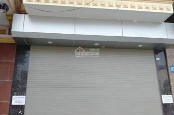 Cho thuê nhà phố Hoàng Đạo Thành, cách Nguyễn Xiển, 50m2, 13 tr/tháng