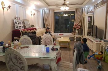 Gia đình cần bán căn hộ chung cư Green Stars DT: 102m2, 3PN, view đẹp, giá 2,65 tỷ có đồ cơ bản