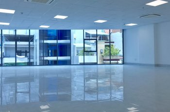 Văn phòng cho thuê, 7 tầng, nhiều tiện ích, tòa nhà mặt phố Lý Thái Tổ, LH: 0902586566 Lan