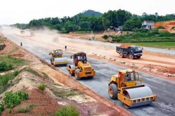 Bán đất trung tâm tỉnh Kon Tum nằm ngay trên Quốc Lộ 14E, giá chỉ 409/170m2, LH ngay 0935225658