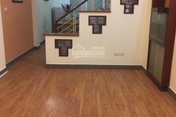 Cho thuê nhà ngõ 195 Trần Cung DT 50m2 x 4 tầng, 4PN, đủ đồ, giá 10 tr/th