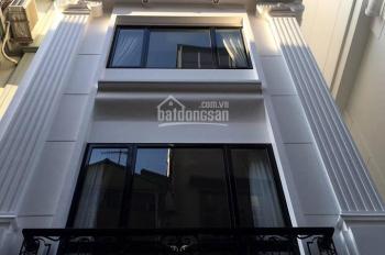 Gia đình cần bán căn nhà cạnh hồ B52, phường Ngọc Hà, dt 35m2 x 5 t, ô tô cách 5m, giá 3,6 tỷ