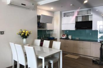 Gia đình vào Nam sống nên cần bán căn hộ 2 phòng ngủ, 95m2, tầng trung, nhà rất mới và đẹp