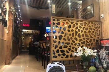 Nhượng lại nhà hàng tại khu vực phố cổ Phùng Hưng, Hoàn Kiếm, LH C Huyền: 0903448989