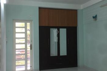 Cho thuê nhà HXH, Huỳnh Tấn Phát, Q7. 4 phòng ngủ, cho share lại phòng, giá: 15tr/th (0901100979)