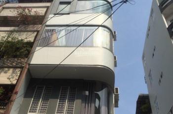Cho thuê góc 2 MT tòa nhà building Đề Thám - Cô Bắc, kết cấu hầm, 7 tầng, 28 PN, giá 193 tr/th