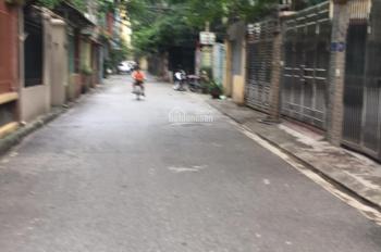 Bán nhà 4T, 55m2, 4PN ngõ 31 Trần Quốc Hoàn, ngõ thông ô tô đỗ cửa. Cách phố 20m