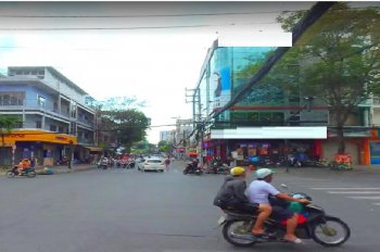 Nhà đẹp cần cho thuê để đi du lịch Nguyễn Hồng Đào Q. Tân Bình - ngang 15m