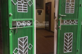 Cho thuê nhà ngõ 460 Thụy Khuê DT 50m2x4T, 5PN đủ đồ giá 12tr/tháng
