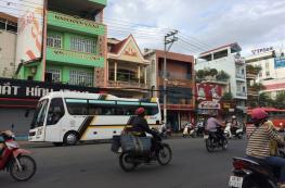 Cho thuê nhà mặt tiền đường Trần Văn Hoài cách Vincom 100m