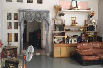 Cho thuê nhà sân vườn 1300m2, nhà cấp 4 diện tích 170m2, nhánh đường Hồ Văn Cống, Tương Bình Hiệp