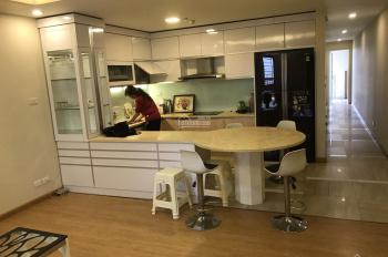 Cho thuê căn hộ cao cấp tại chung cư D2 Giảng Võ, Ba Đình, 80m2, 2PN, view hồ, giá 13 tr/th