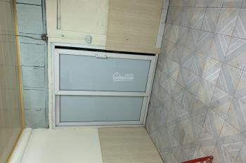 Cho thuê phòng trọ trong khu tập thể tầng 1 phòng 113 cầu thang 2 F11 Tập thể Cao Su Sao Vàng