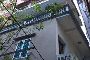Chính chủ cần bán nhà 22m2, gần công viên Thống Nhất ngõ Giếng Mứt, phố Bạch Mai, 0903471180
