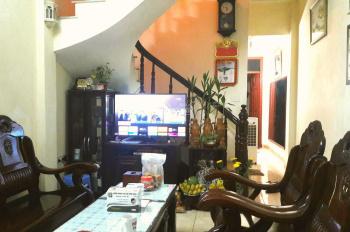 Bán nhà ngõ 189 Nguyễn Văn Cừ 60m2 x 3 tầng, 4PN, phòng khách, sân trước giếng trời sau