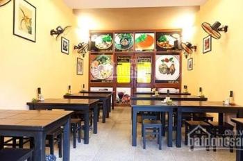 Cho thuê cửa hàng mặt phố vị trí cực đẹp phố Tràng Thi, diện tích 80m2, mặt tiền 10m