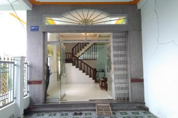 Cho thuê nhà hẻm 390 Nguyễn Văn Cừ 1 trệt 1 lầu hẻm xe hơi. LH 0939179322 Trang