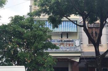Chủ cần tiền bán gấp nhà 3 tầng mặt tiền Lê Văn Hiến