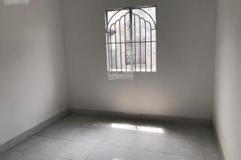 Cho thuê nhà nguyên căn ngay MT Hương Lộ 11, Bình Chánh, giá 7tr/tháng. LH Thi: 0909196228