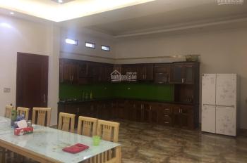 Cho thuê nhà 12 phòng mặt đường Hoàng Hoa Thám, đã có nội thất
