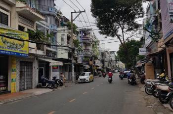 Bán nhà MT đường Nguyễn Giản Thanh, P.15. DT: 3.6x19.5m