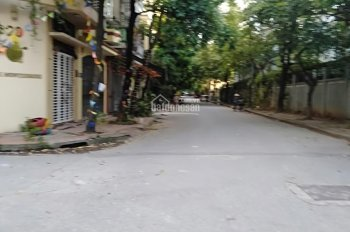 Cho thuê nhà riêng đường Hoàng Đạo Thành - Nguyễn Xiển, 13 triệu/tháng - 0989.998.749
